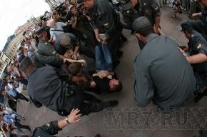 Ногой в лицо полицейскому на митинге: уголовного дела не будет