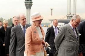 Королева Дании сегодня разъезжает по Петербургу