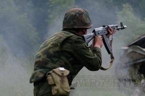 Сержант поджег солдата, завернутого в туалетную бумагу
