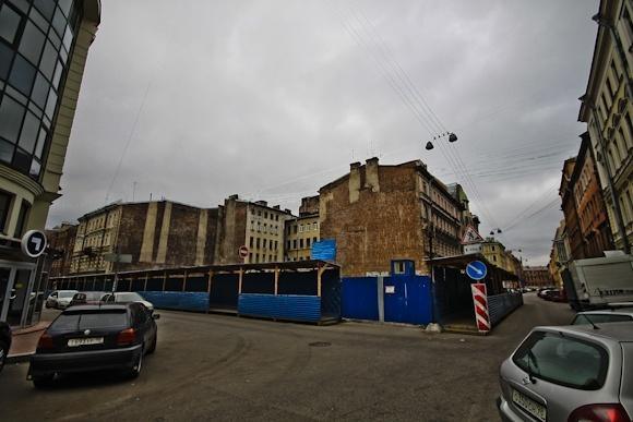 Дом на Стремянной пошел трещинами: Фото
