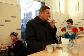 Зачем чиновники собрались в пирожковую?