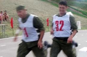 На солдатах испытывают новую программу физподготовки