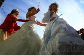 На Малой Садовой танцевали невесты (фото)