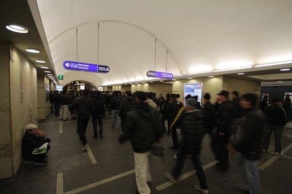 Курбан-байрам в Петербурге: пять тысяч мусульман собрались помолиться на «Горьковской»: Фото