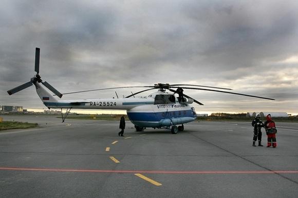 Петербургские спасатели тренируют навыки десантирования с вертолета: Фото