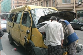 В Москве столкнулись маршрутка и  автобус. Есть пострадавшие