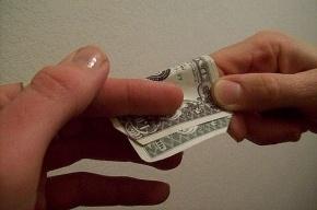 Полицейские вымогали деньги у жителя Пушкина