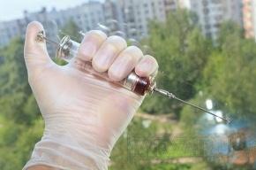 В Купчино женщине угрожали шприцем с ВИЧ