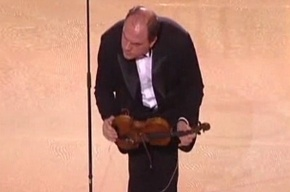Министр культуры Украины устроил шоу со скрипкой