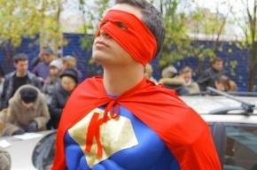 Петербургский супергерой Коменданте грозит избирательным комиссиям