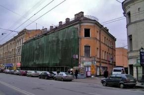 Полуразрушенному Дому Рогова вернули крышу