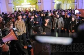 Митинг на Болотной площади начался с песни: «Наш дурдом голосует за Путина»