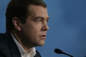Медведев поговорил с электронной урной