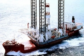 У Сахалина затонула буровая установка: спасены 14 человек