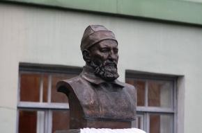 Памятник Атаулле Баязитову открыли в Петербурге