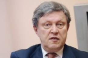 Явлинский предложил сдать мандаты и провести новые выборы