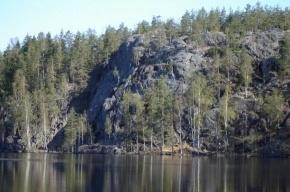 Питерские альпинисты бьют тревогу: озеро Ястребиное снова под угрозой