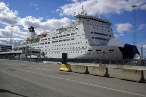 «Принцесса Анастасия» не может попасть в петербургский порт