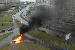 Режиссер сериала «Литейный, 4» сжег машину на Васильевском острове