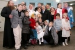 Фоторепортаж: «Необычная свадьба: жених и невеста - представители самых многодетных семей района»
