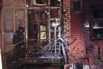 МЧС: В сгоревшем ресторане не должно было быть газовых баллонов: Фоторепортаж