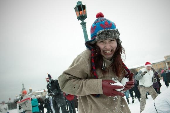 Битва снежками на Марсовом поле - фоторепортаж: Фото