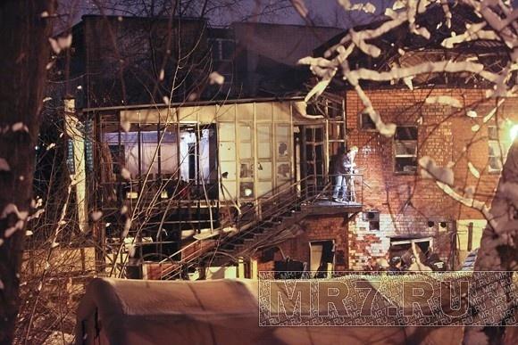 МЧС: В сгоревшем ресторане не должно было быть газовых баллонов: Фото