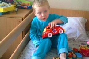 Жестоко избитый трехлетний мальчик нуждается в помощи и поддержке