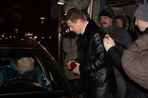 На Ладожском вокзале ловили таксистов-нелегалов