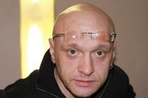 У актера Девотченко в московском метро вырвали серьгу из уха