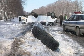 В Ленобласти столкнулись легковушка и рейсовый автобус с 32 пассажирами