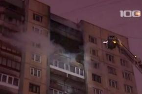 Пожар на Наставников тушили около 30 пожарных расчетов