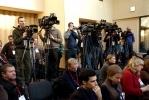 Фоторепортаж: «Прохоров удивился, почему бывшие питерские студенты не хотят уходить из Кремля»