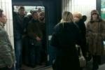 Фоторепортаж: «Из-за неисправного состава на «Петроградской» столпотворение (фото)»