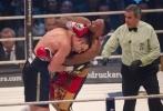 Боксера Дерека Чисору дисквалифицировали за плевок в лицо Кличко: Фоторепортаж