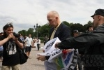Фоторепортаж: «Закон против геев приняли в окончательном чтении»
