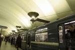 Фоторепортаж: «На «фиолетовой» ветке метро Петербурга возникла пробка из поездов»