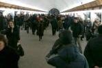 Из-за неисправного состава на «Петроградской» столпотворение (фото): Фоторепортаж