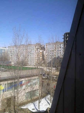 Целый подъезд девятиэтажного дома обрушился в Астрахани: Фото