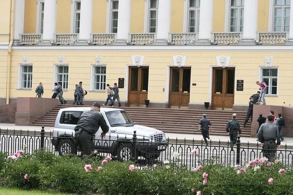 Депутаты в третьем чтении приняли «гомофобный» закон : Фото
