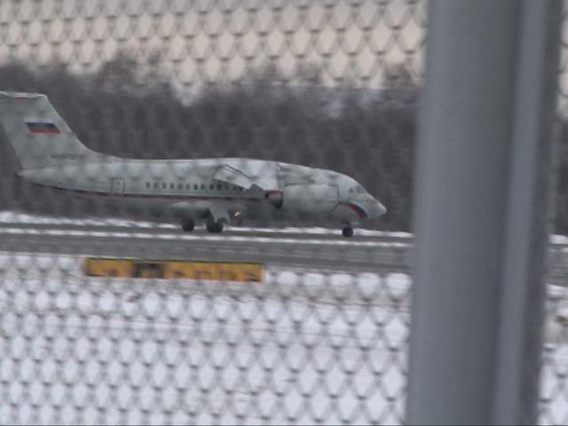 В «Пулково» садится самолет с поврежденным шасси: Фото