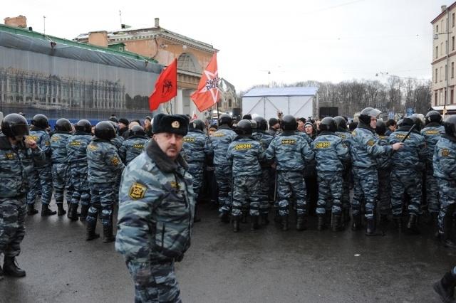Митинг в Петербурге прошел энергично и закончился мирно: Фото