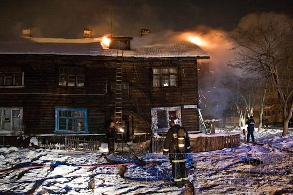В поселке Бугры горел жилой дом (фото): Фото