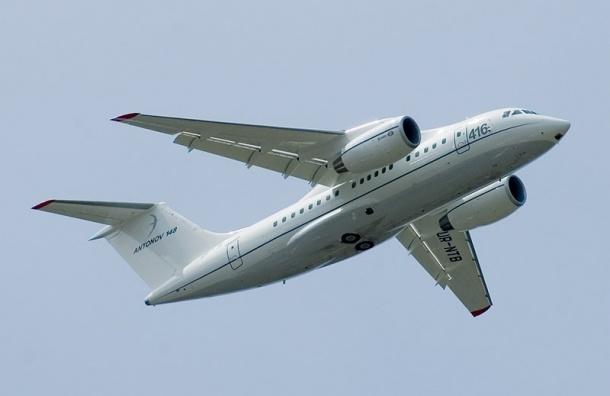В «Пулково» садится самолет с поврежденным шасси