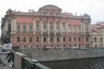 Дворец Белосельских-Белозерских на Невском проспекте тушат по третьему номеру