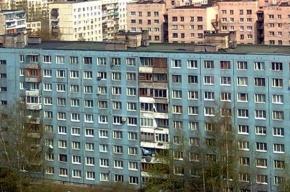 В Петербурге из окна выбросилась очередная школьница