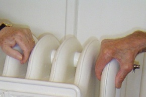 Тепло в колпинские квартиры обещают вернуть к понедельнику