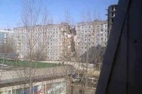 Под завалами дома в Астрахани спасатели слышат голоса людей