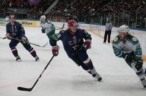 Владимир Тарасенко забросил юбилейную шайбу СКА
