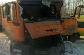 На Ржевке столкнулись два грузовика